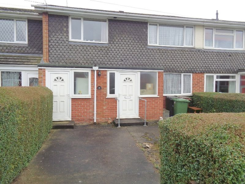 3 Bedrooms Terraced House for sale in Breedon Drive, Lincoln