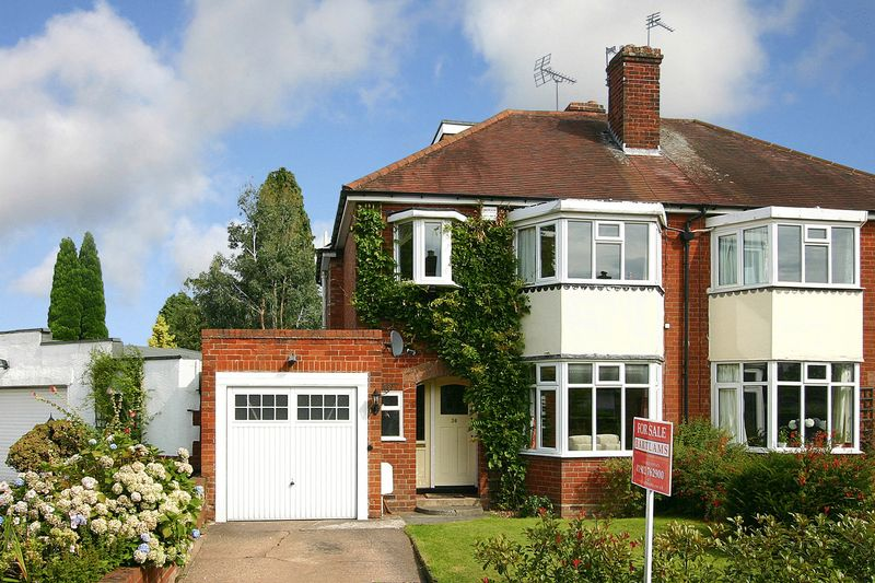 4 Bedrooms Semi Detached House for sale in LOWER PENN, Springhill Park
