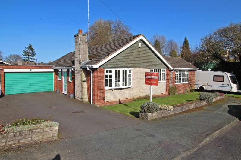3 Bedrooms Detached Bungalow for sale in FINCHFIELD, Linden Lea