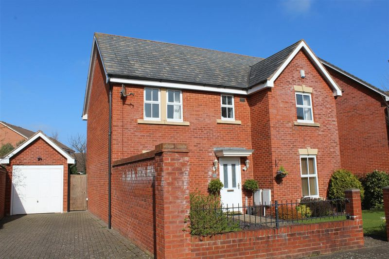 4 Bedrooms Detached House for sale in Pollard Road, Weston-Super-Mare