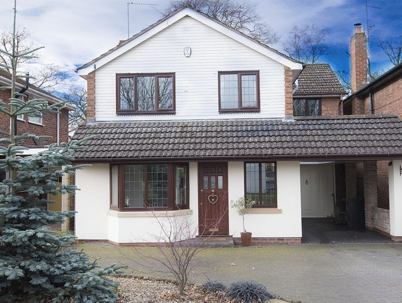 4 Bedrooms Detached House for sale in Buckingham Grove, Kingswinford