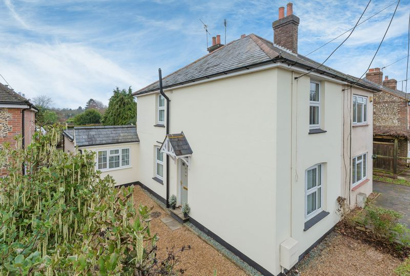 3 Bedrooms Semi Detached House for sale in Penn