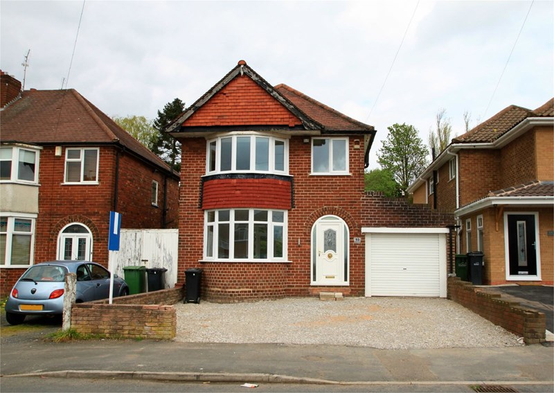 3 Bedrooms Detached House for sale in Sledmore Road, DUDLEY