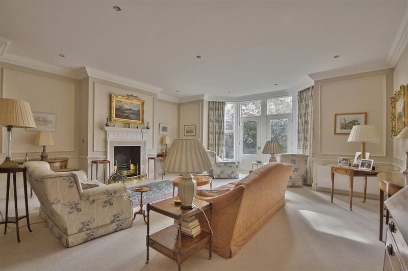 2 Bedrooms Flat for sale in Saville House, The Grove, Gosforth, Newcastle Upon Tyne