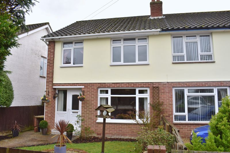 3 Bedrooms Semi Detached House for sale in May Crescent, Southampton
