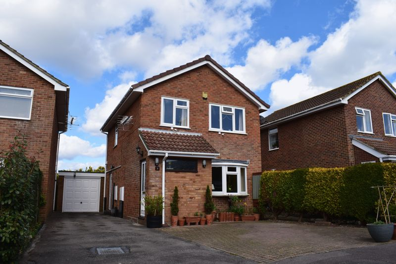 3 Bedrooms Detached House for sale in The Warren, Southampton