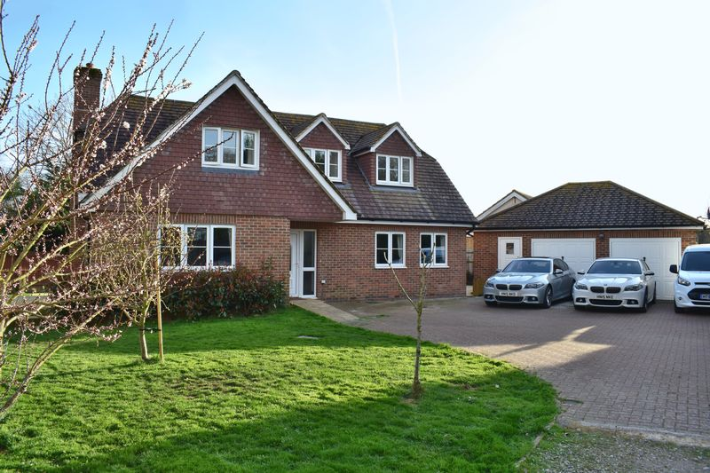 4 Bedrooms Detached House for sale in Long Copse, Southampton