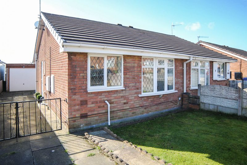 2 Bedrooms Semi Detached Bungalow for sale in Forrister Street, Meir Hay, Stoke-On-Trent, ST3 1SP