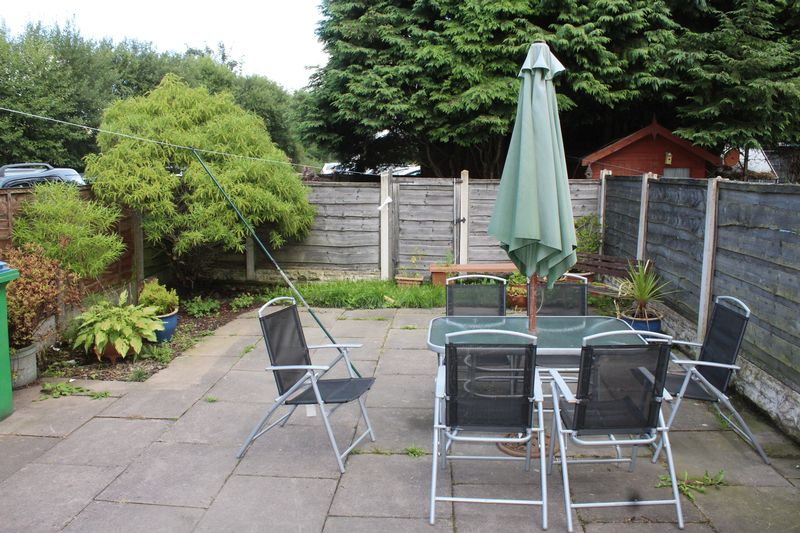2 Bedrooms Terraced House for sale in Smithy Bridge Road, Littleborough