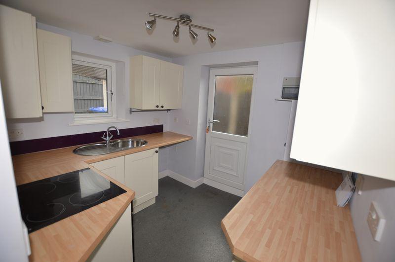 2 Bedrooms Detached Bungalow for sale in Shore Road, Littleborough