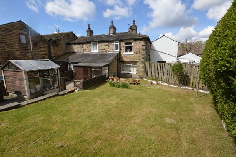 2 Bedrooms Terraced House for sale in Ealees, Littleborough