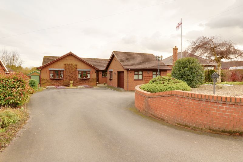 4 Bedrooms Detached Bungalow for sale in Common Road, Wressle