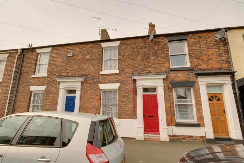 2 Bedrooms Terraced House for sale in Queen Street, Brigg