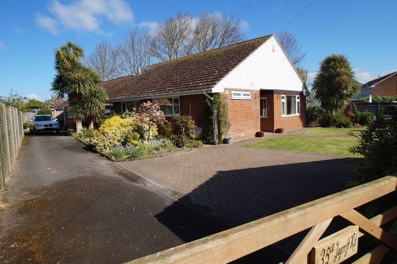 3 Bedrooms Detached Bungalow for sale in Jaycroft Road, Burnham-On-Sea