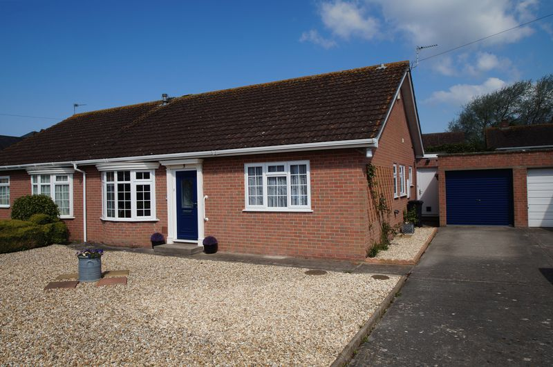 3 Bedrooms Semi Detached Bungalow for sale in Parnell Way, Burnham-On-Sea