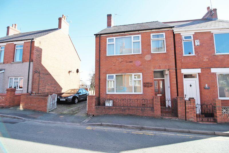 2 Bedrooms House for sale in Queen Street, Wrexham