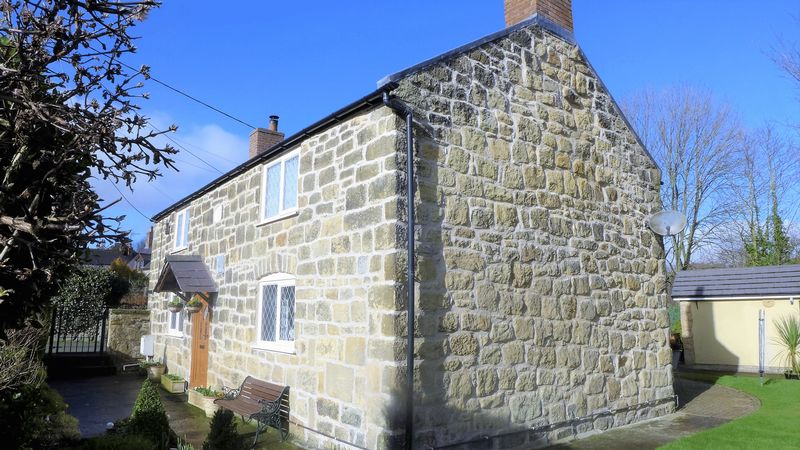 3 Bedrooms Detached House for sale in Bridge Street, Wrexham
