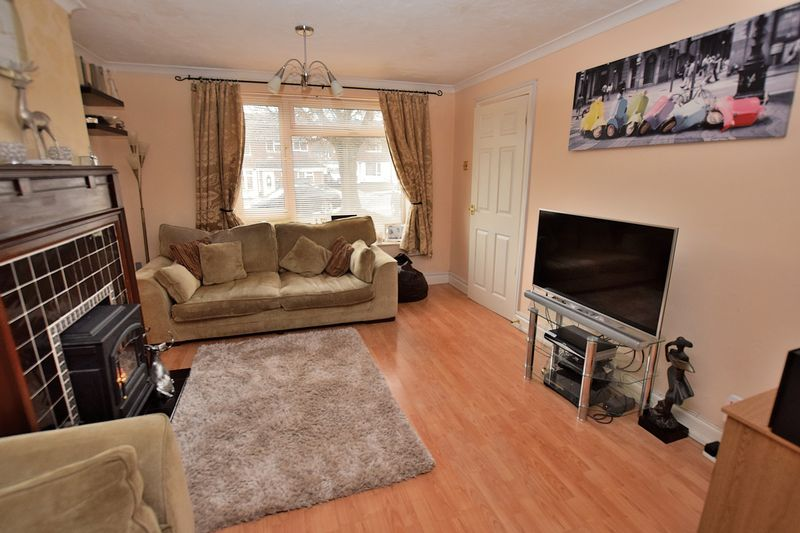 3 Bedrooms Semi Detached House for sale in Brampton Rise, South West Dunstable