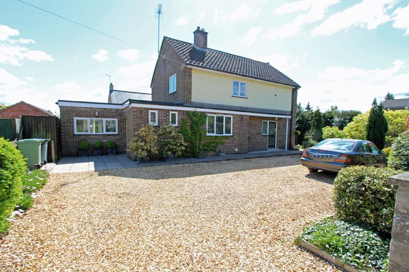 4 Bedrooms Detached House for sale in Waverley Gardens, Stamford