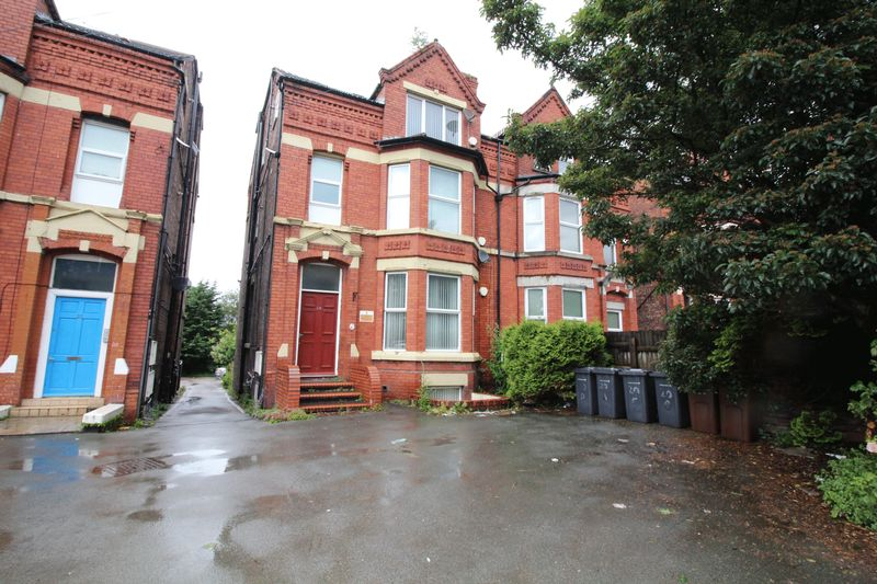 6 Bedrooms Terraced House for sale in Balliol Road, Bootle