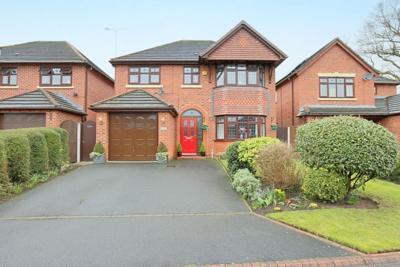 4 Bedrooms Detached House for sale in Basset Close, Willaston, Nantwich