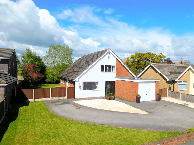 3 Bedrooms Detached House for sale in Danebank Avenue, Wistaston