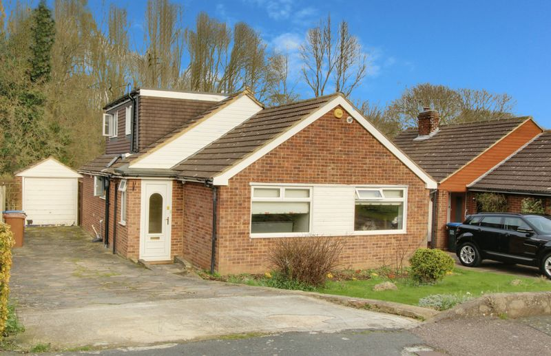 4 Bedrooms Detached House for sale in Brookside Crescent, Cuffley