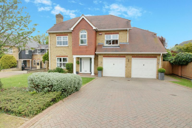 4 Bedrooms Detached House for sale in Poppy Walk, Goffs Oak