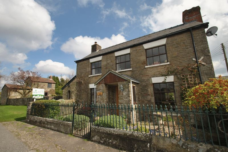 3 Bedrooms Detached House for sale in ELLWOOD, COLEFORD - WITH BARN