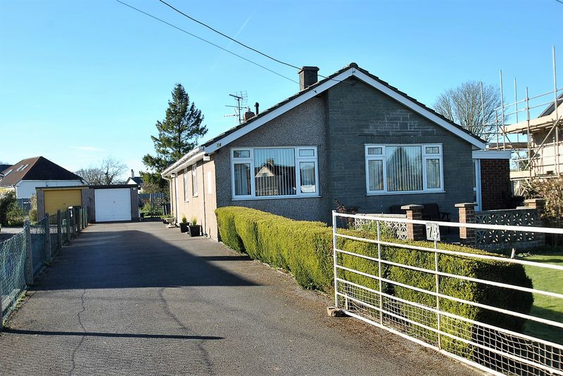 3 Bedrooms Detached Bungalow for sale in BERRY HILL, COLEFORD.