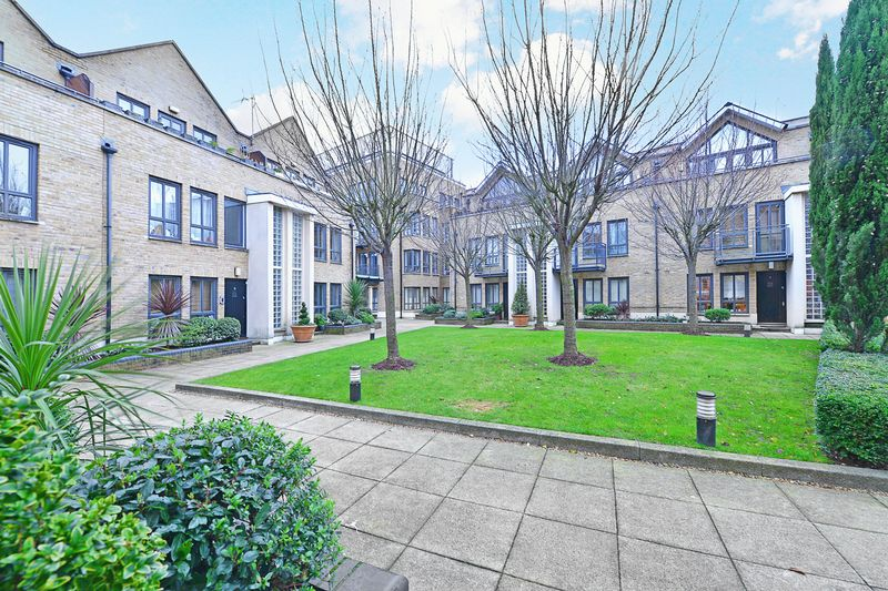 4 Bedrooms Terraced House for sale in Brightlingsea Place, Limehouse, E14