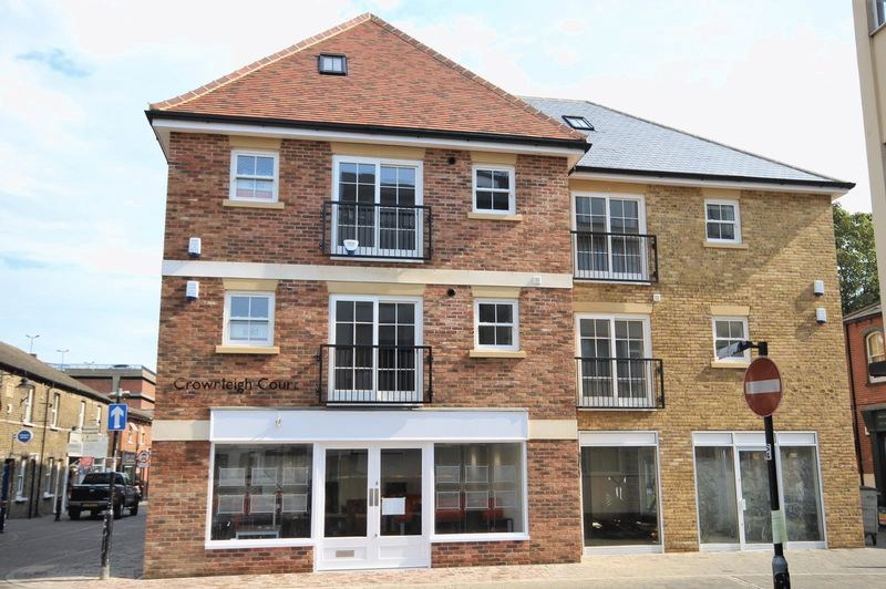 Flat 1, Crownleigh Court, Ropers Yard, B...