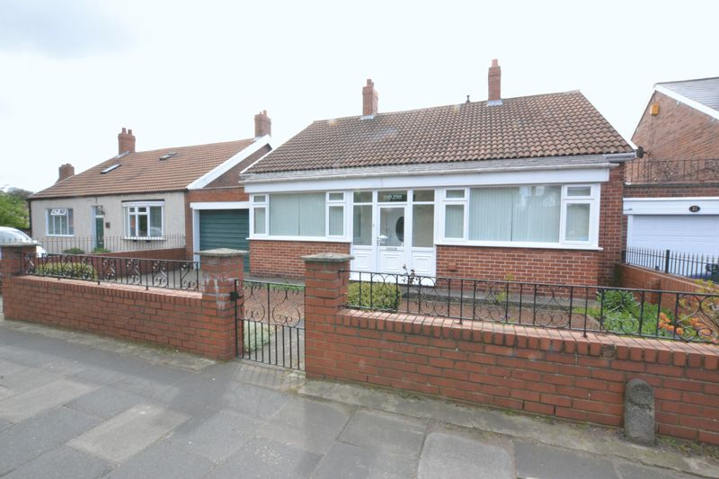 2 Bedrooms Detached Bungalow for sale in Great Lime Road, Newcastle Upon Tyne