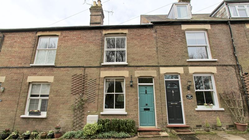 2 Bedrooms Terraced House for sale in Trafford Road, Great Missenden