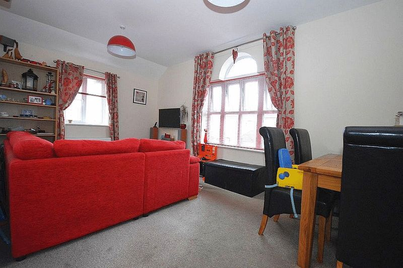 2 Bedrooms Semi Detached House for sale in Coach House in Crewkerne