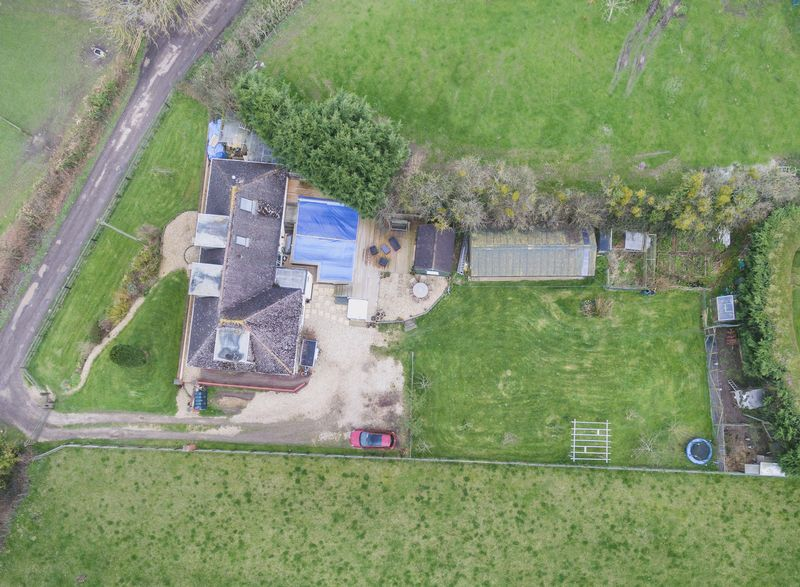 5 Bedrooms Detached House for sale in Coat, Martock