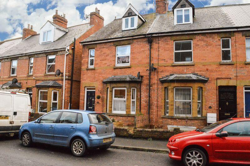 3 Bedrooms House for sale in Beer Street, Yeovil
