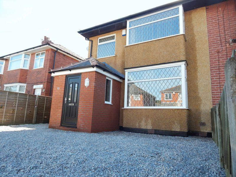 3 Bedrooms Semi Detached House for sale in Malvern Avenue, Preston