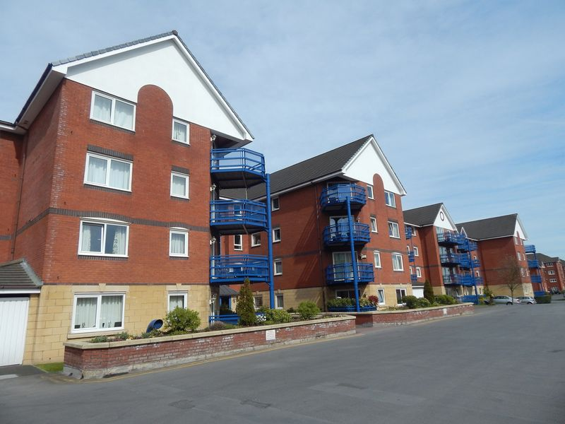 2 Bedrooms Flat for sale in Mountbatten Close, Preston Docklands, Ashton, Preston