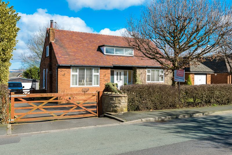 4 Bedrooms Detached House for sale in Green Lane, Standish