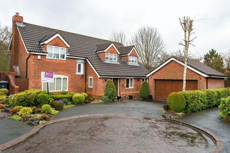 4 Bedrooms Detached House for sale in Pilgrims Way, Standish