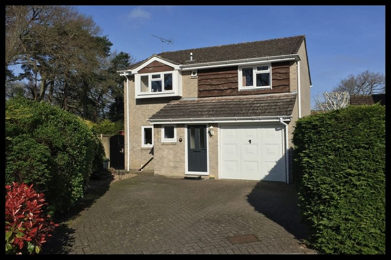 4 Bedrooms Detached House for sale in Chestnut Drive, Ashurst