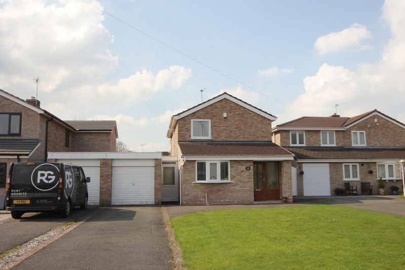 4 Bedrooms Detached House for sale in Venables Drive, Spital, Wirral