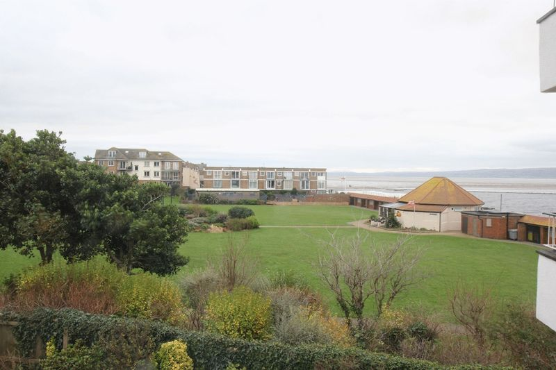 3 Bedrooms Flat for sale in South Parade, West Kirby, Wirral