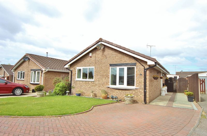 2 Bedrooms Detached Bungalow for sale in Littlemore Close, Saughall Massie, Wirral