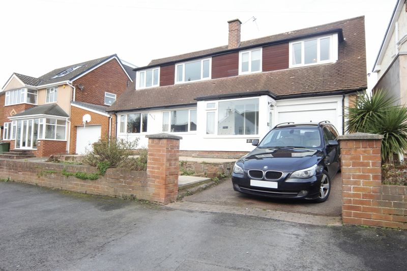3 Bedrooms Detached Bungalow for sale in Melloncroft Drive, Caldy, Wirral