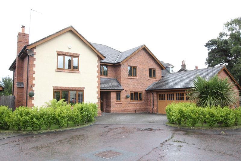 5 Bedrooms Detached House for sale in Links Close, West Kirby, Wirral