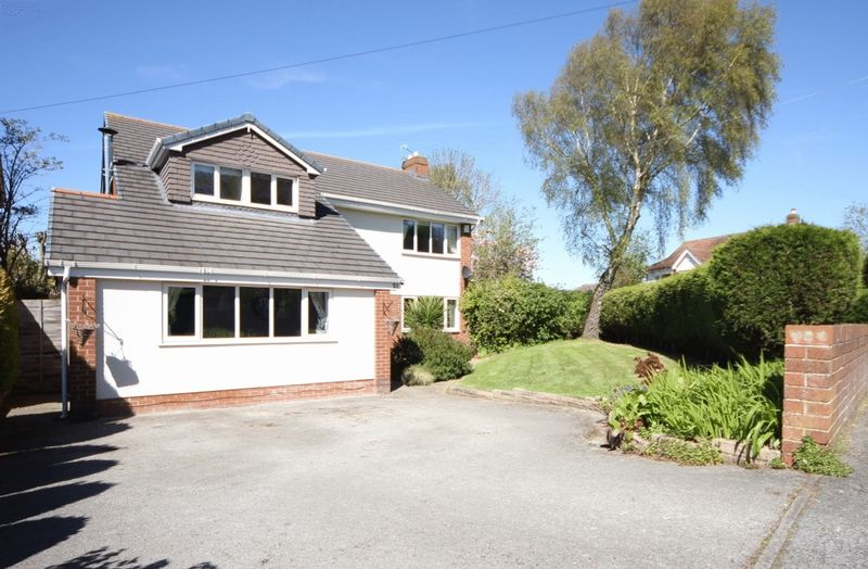 4 Bedrooms Detached House for sale in Mere Lane, Heswall, Wirral