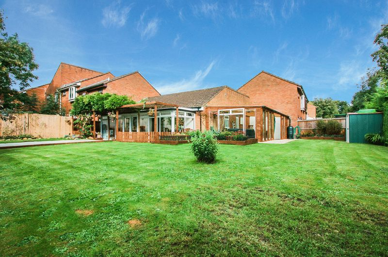 2 Bedrooms Bungalow for sale in Lime Close, Frome