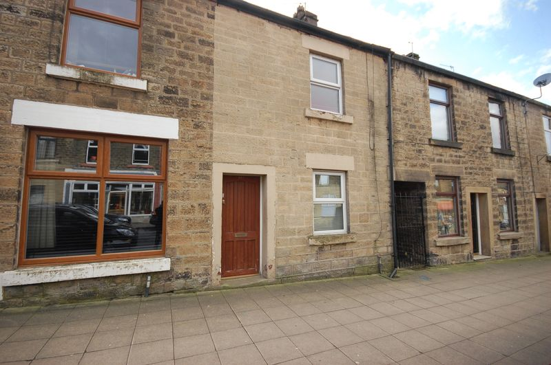 2 Bedrooms Terraced House for sale in Station Road, Hadfield
